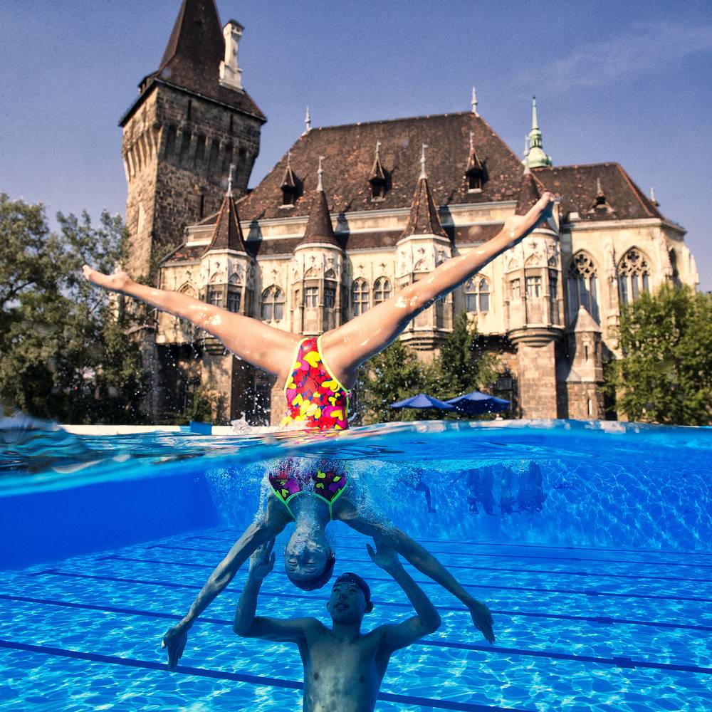 Shuwen Sheng and Haoyu Shi of China train in front of the Vajdahunyad Castle in Budapest