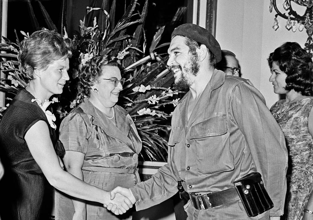 Soviet cosmonaut Valentina Tereshkova and Ernesto Che Guevara, 1963