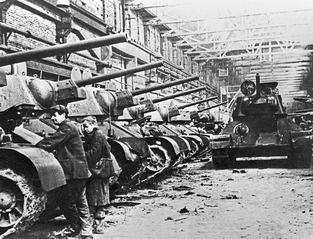 At the start of the World War II, T-34s comprised about 4% of the Soviet tank arsenal, but by the end it made up at least 55% of tank production