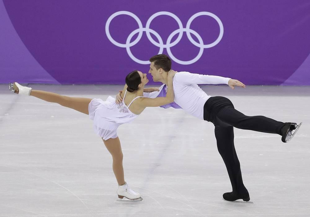 Russian athletes Natalia Zabiiako and Alexander Enbert won bronze in pair skating free programme