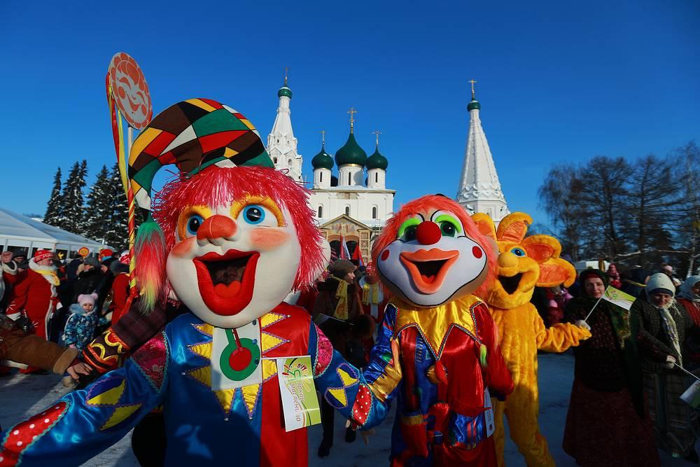 A celebration of Maslenitsa festival in central Vladimir