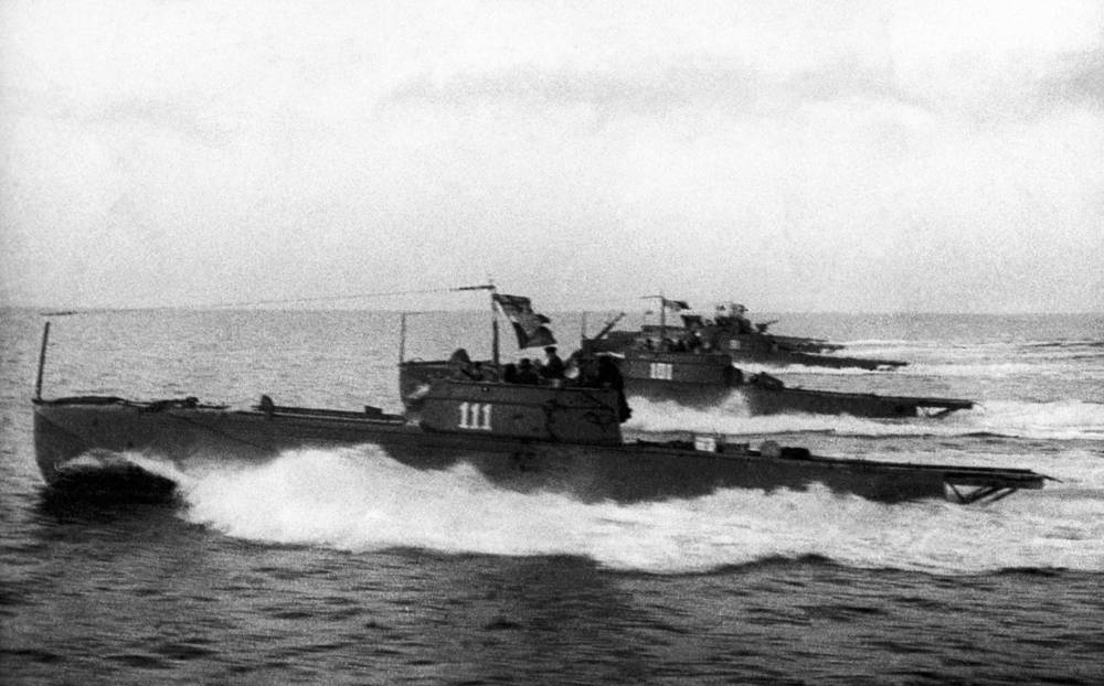 Motor torpedo boats, 1944