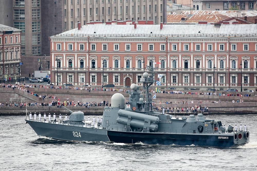 Morshansk missile boat seen on the Neva River