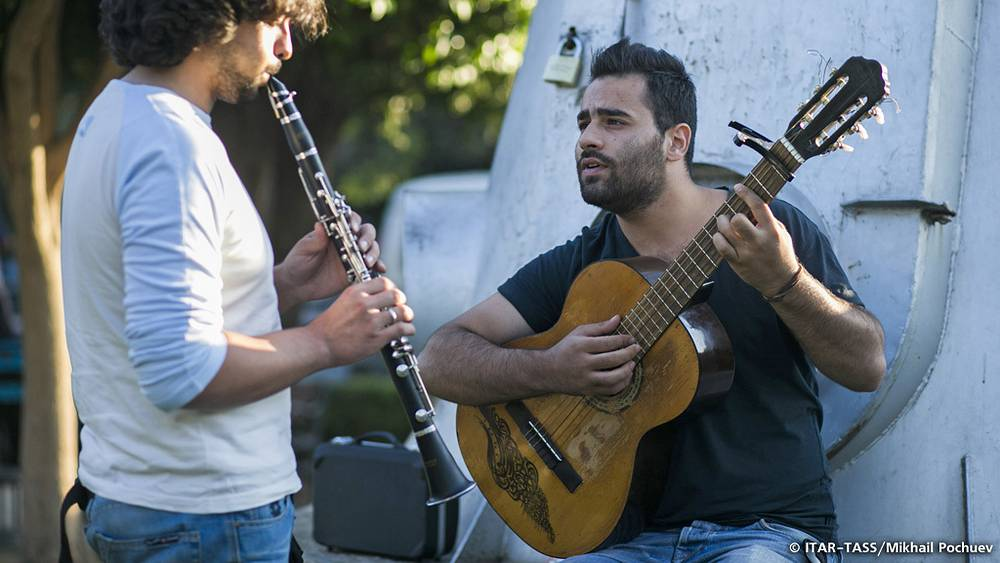 September 19. Street musicians performing in Damascus.