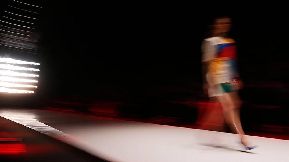 Показ коллекции MARI AXEL на Mercedes-Benz Fashion Week Russia. Фото ИТАР-ТАСС/ Павел Головкин