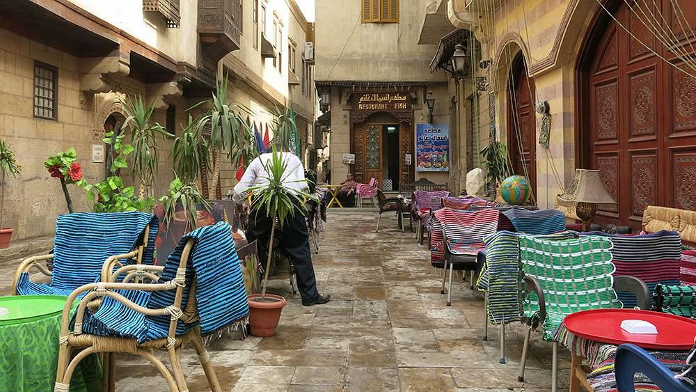 Кафе на базаре Хан-эль-Халили в Каире. Фото Дмитрий Добродеев