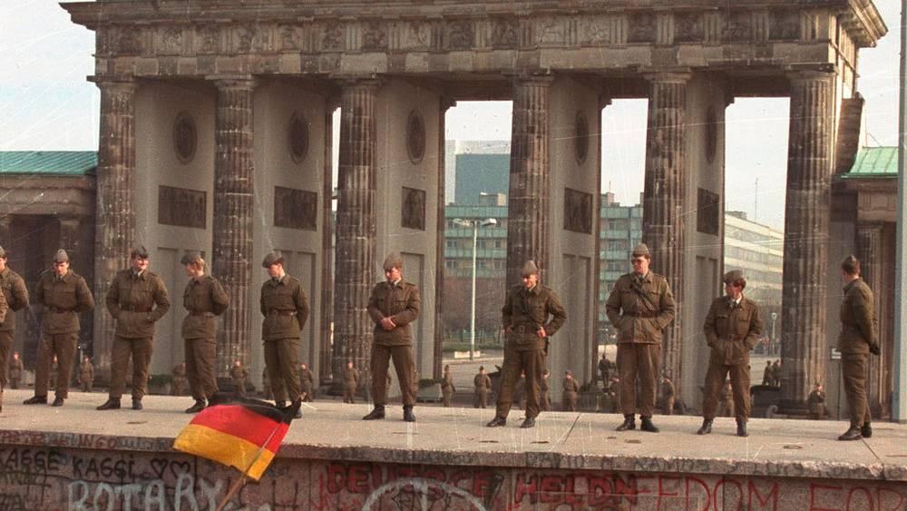 Браденбургские ворота, 9 ноября 1989. Фото АР