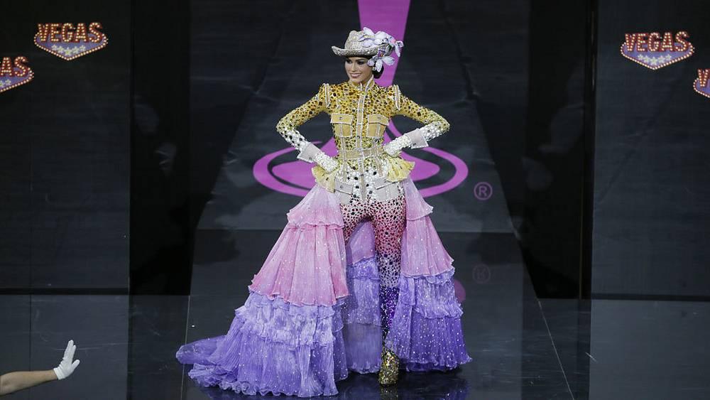 Победительница конкурса Мисс Венесуэла Габриэла Ислер. AP Photo/Pavel Golovkin