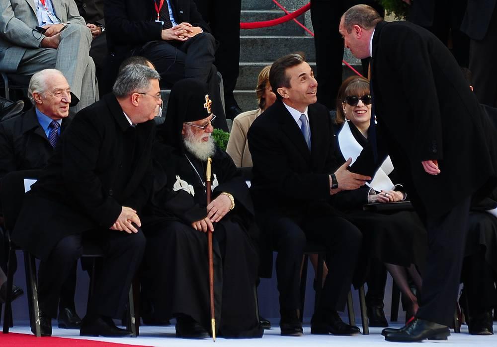 Президент Грузии Георгий Маргвелашвили, премьер-министр Грузии Бидзина Иванишвили с супругой Екатериной Хведелидзе, католикос-патриарх всея Грузии Илия II