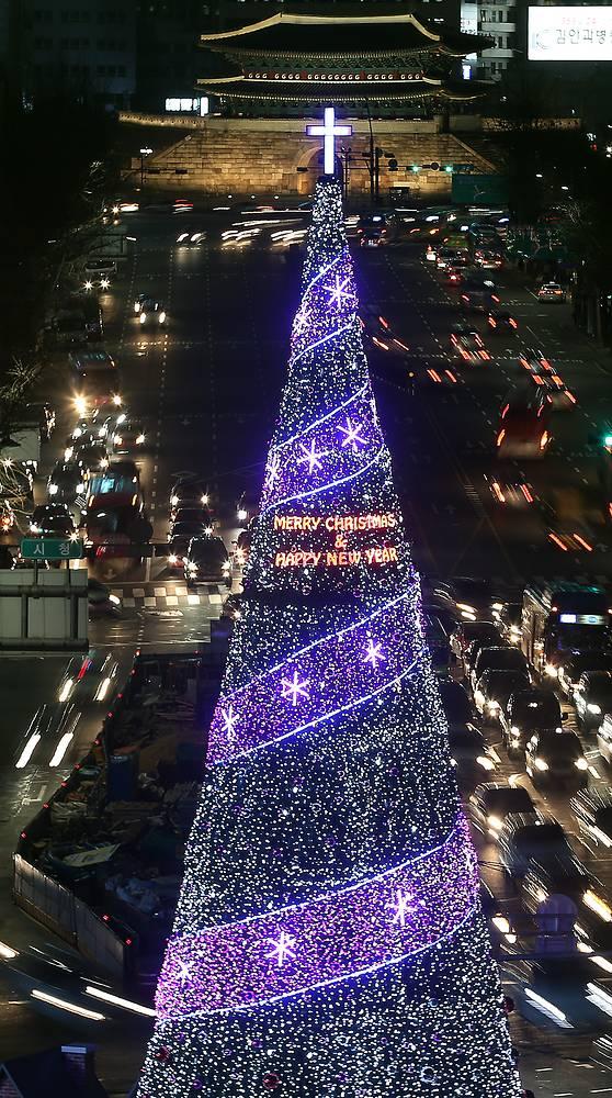 Рождественская ель в Сеуле