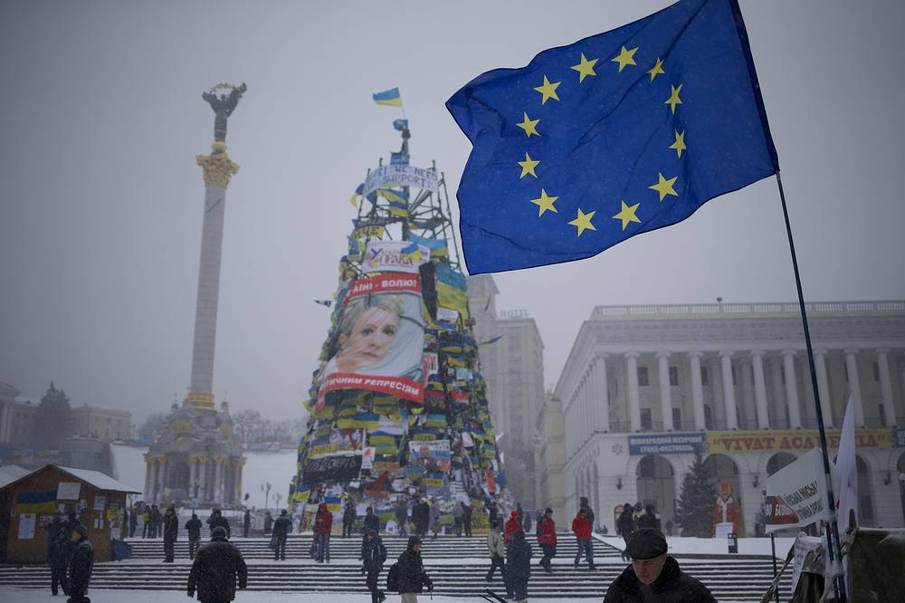 Новогодняя ель в Киеве с изображением Юлии Тимошенко
