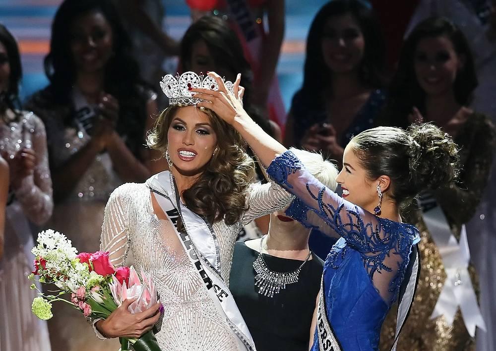 """Самый известный в мире конкурс красоты """"Мисс Вселенная"""" впервые за свою более чем 60-летнюю историю прошел в России. Корону получила 25-летняя телеведущая из Венесуэлы Габриэла Ислер"""
