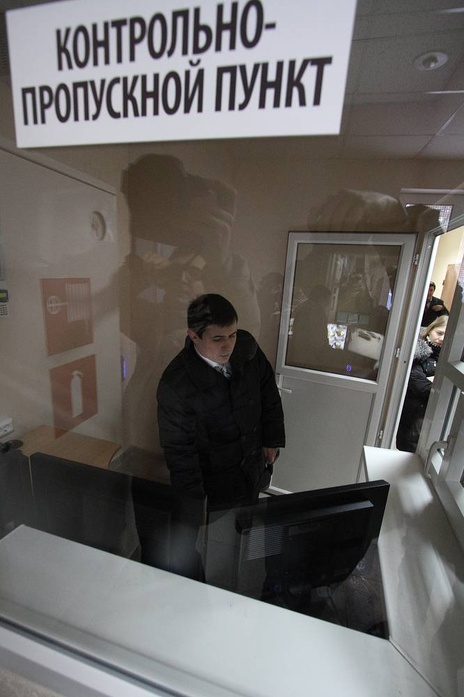 В Центре временного содержания для нелегальных мигрантов в поселке Кольцово