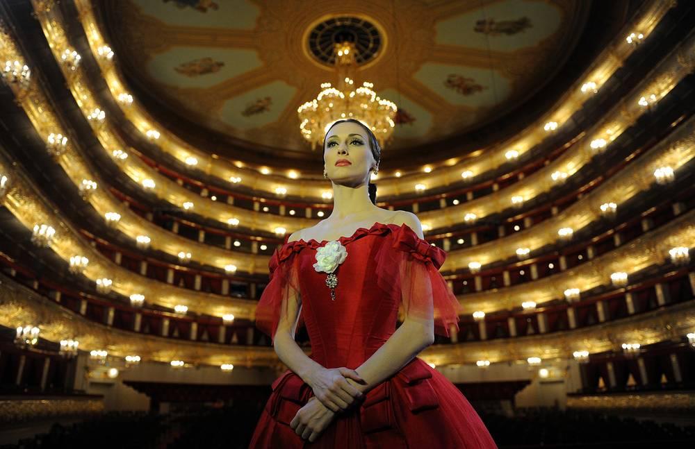 Прима-балерина Светлана Захарова во время своего бенефиса в Государственном академическом Большом театре. 21 апреля 2013 года