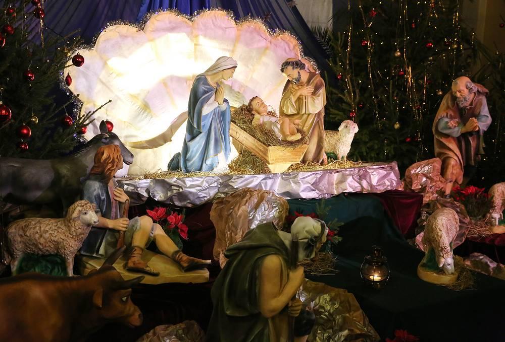 Во время Рождественской мессы в Римско-католическом кафедральном соборе Непорочного зачатия пресвятой девы Марии
