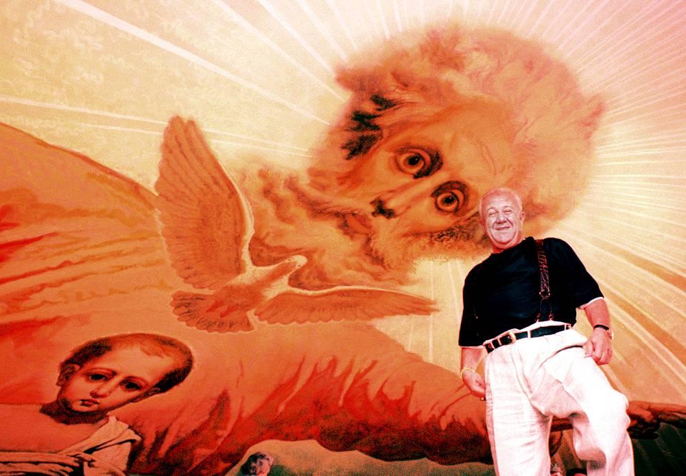 Зураб Церетели у законченной росписи подкуполного пространства Храма Христа Спасителя, 1999