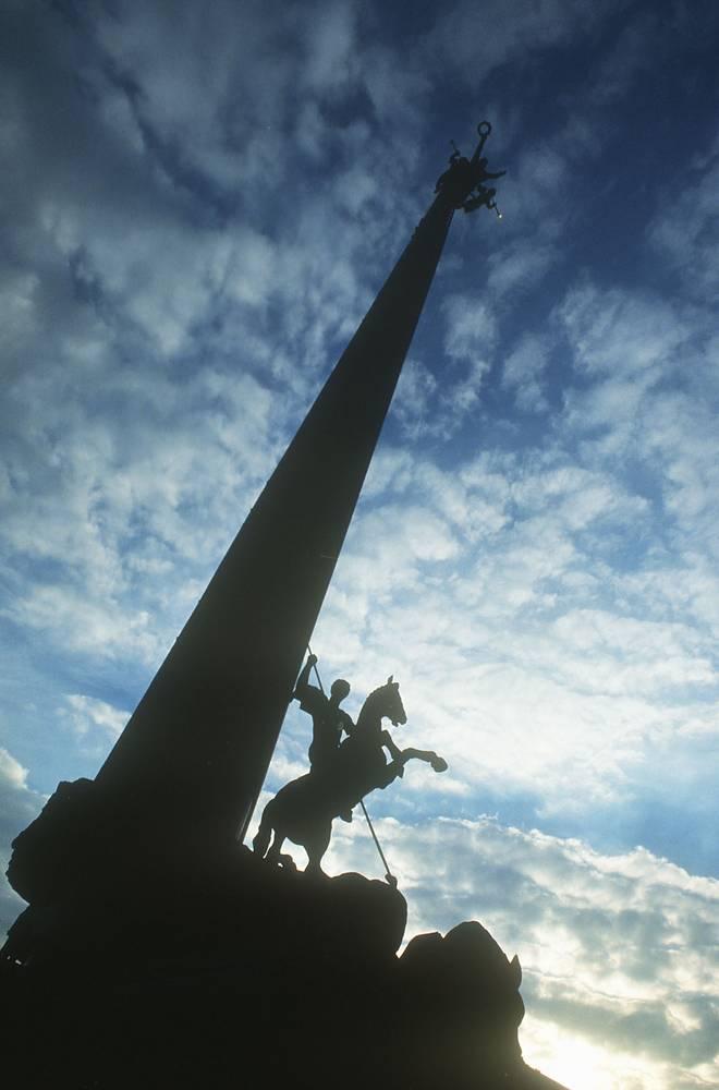 Центральный монумент мемориала Великой Отечественной войны на Поклонной горе. Главный художник проекта - Народный художник России Зураб Церетели, 1995
