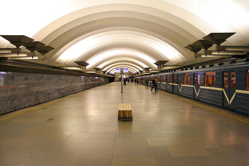"""Станция """"Площадь Мужества"""""""