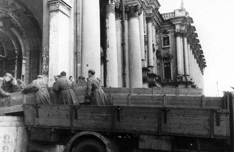 Возвращение  экспонатов Эрмитажа из эвакуации