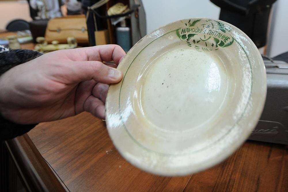 Посуда из столовой 20-х годов XX века