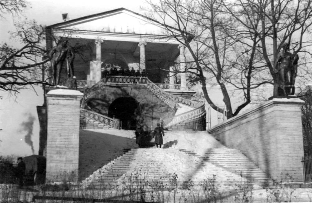 Фашистские войска в Камероновой галерее, Царское село