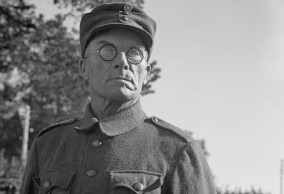 62-летний финский доброволец Hyvönen собирается на фронт, Финляндия(Миккели), 4 сентября 1941 года