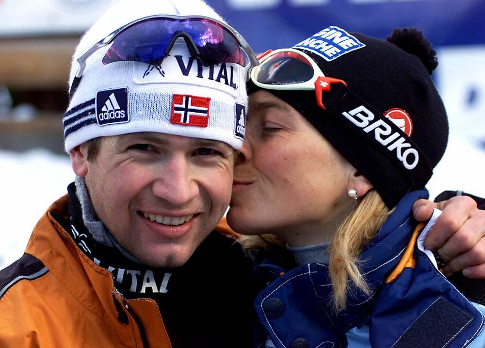 С будущей женой - итальянской биатлонисткой Натали Сантер. 2000 год