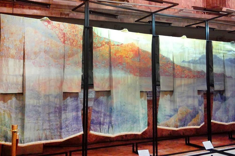 """Выставка """"Преображение кимоно: искусство Итику Куботы"""" в Этнографическом музее Санкт-Петербурга"""