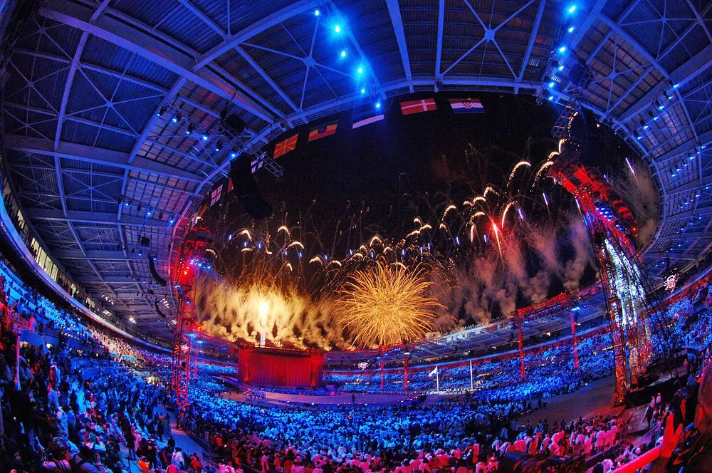 ХХ зимние Олимпийские игры в Турине, Италия, 2006 год. Выручка от олимпийских игр составила около миллиарда евро
