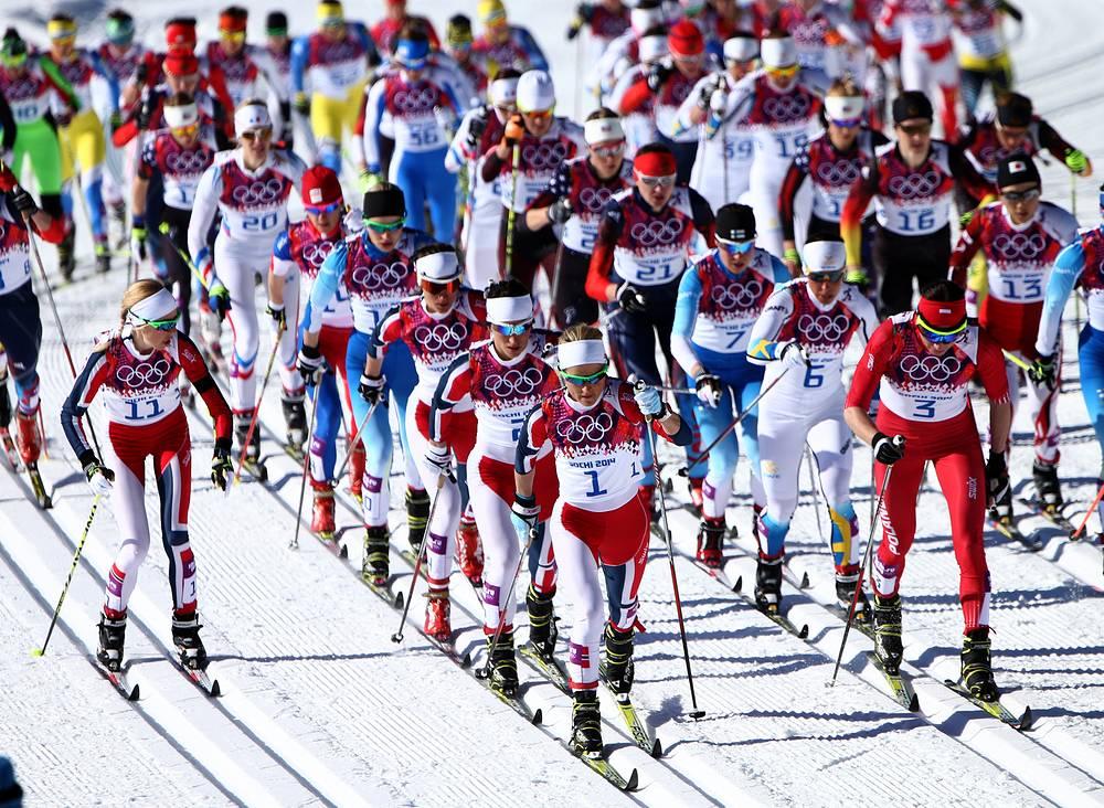 Соревнования по скиатлону среди женщин
