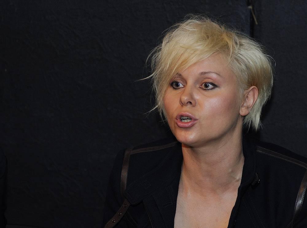 Актриса Яна Троянова
