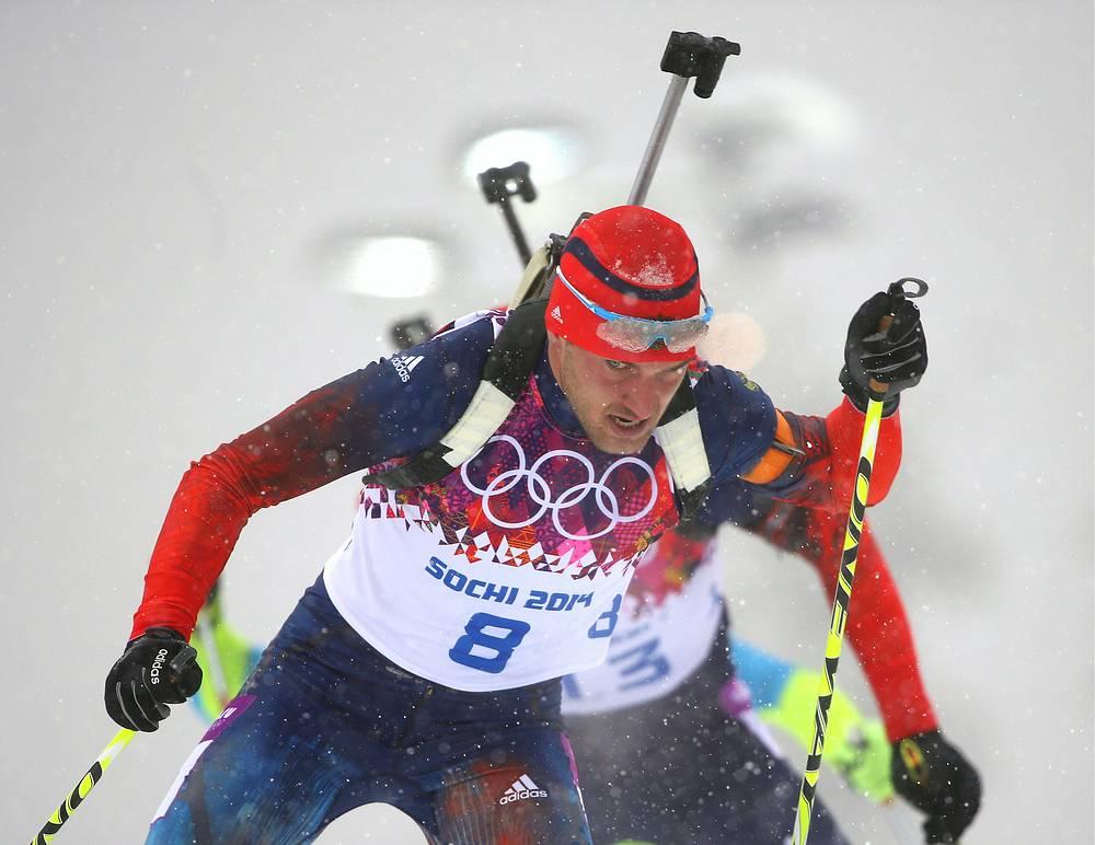 Российский спортсмен Евгений Гараничев на дистанции гонки масс-старта