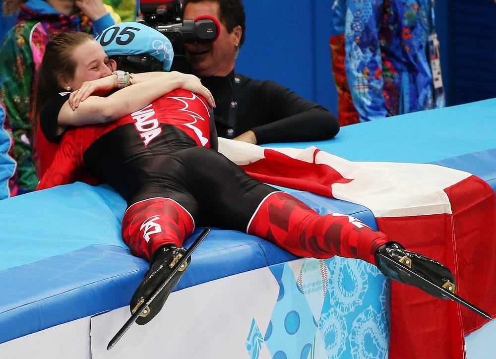Радость победы канадца Шарля Амлена на дистанции 1500 м