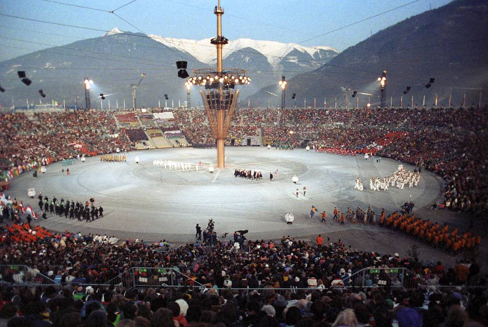 Церемония открытия в Альбервиле, Франция, 1992 год. XVI зимние Олимпийские игры прошли с 8 по 23 февраля
