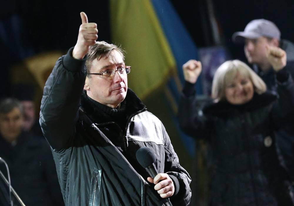 """Лидер партии """"Гражданская самооборона"""" Юрий Луценко во время выступления на площади Независимости"""