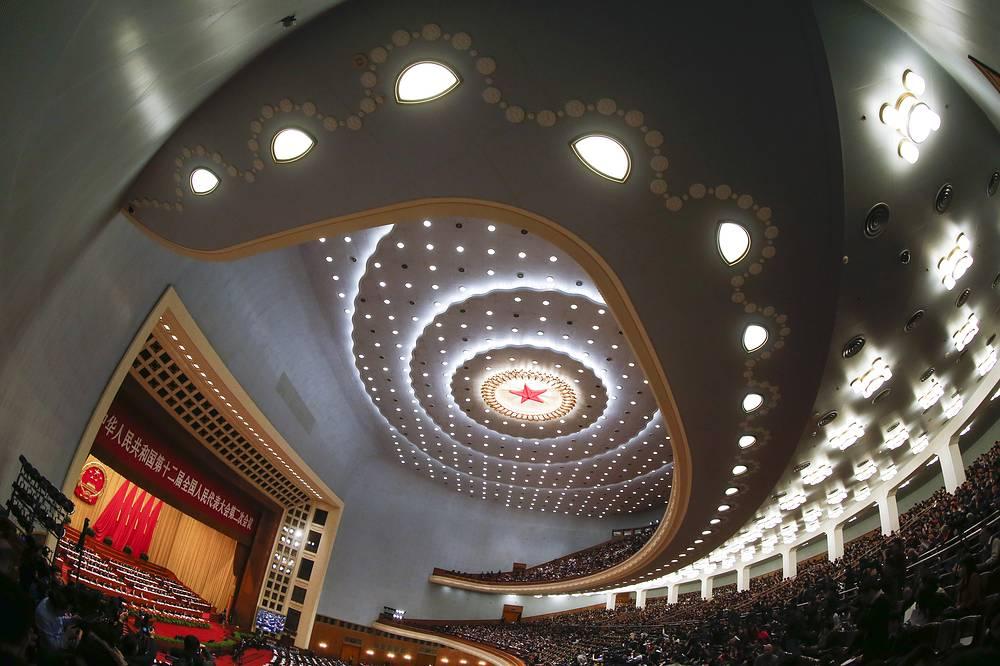 В Пекине в среду открылась 2-я сессия Всекитайского собрания народных представителей (ВСНП) 12-го созыва - высшего законодательного органа страны