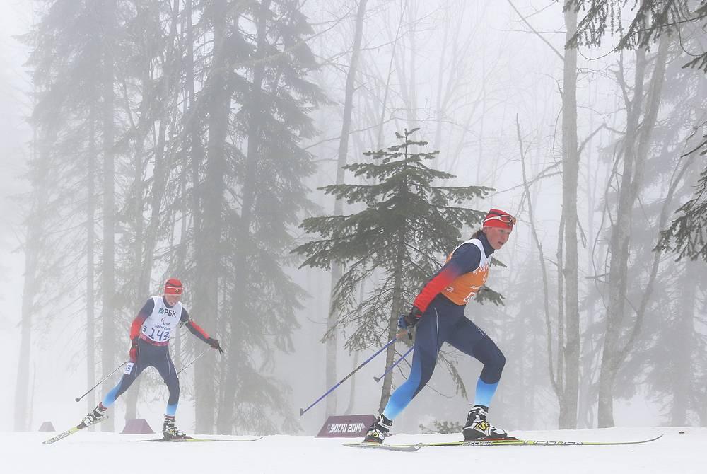 Серебро выиграла еще одна россиянка Юлия Будалеева (слева)