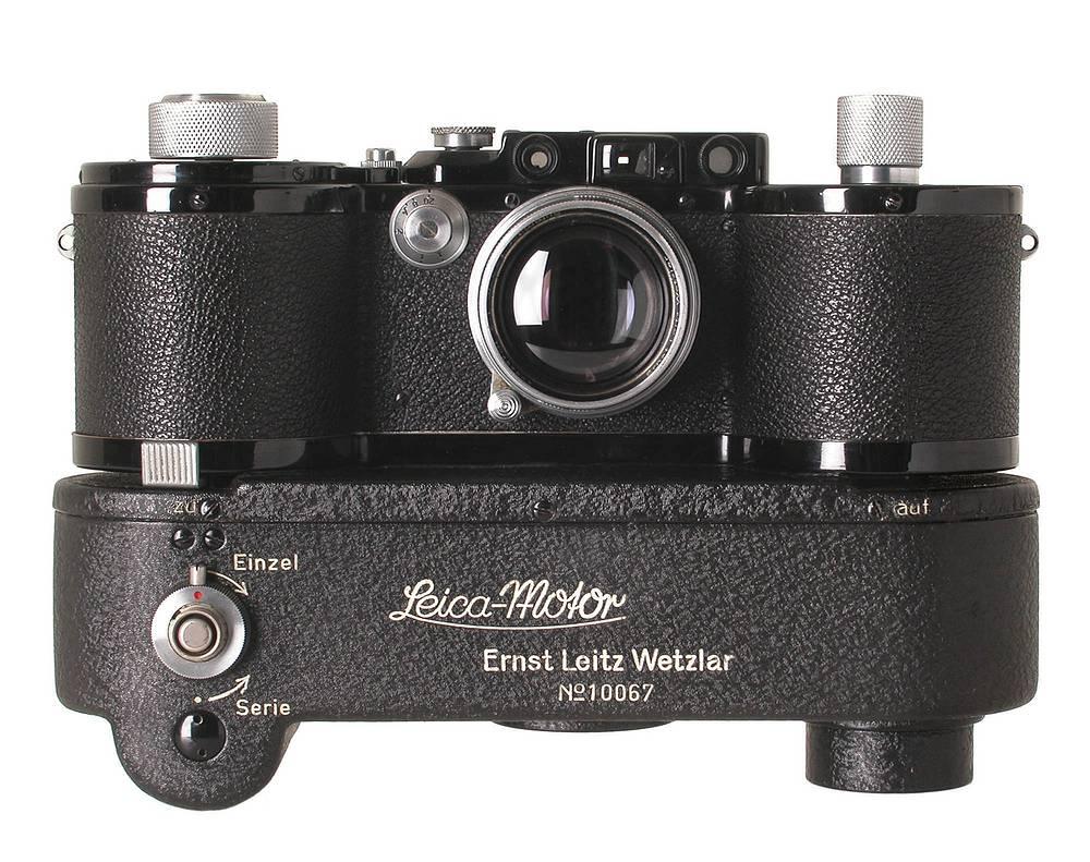 Редкая Leica 250 GG 1944 года с мотором была продана за €80 тыс.