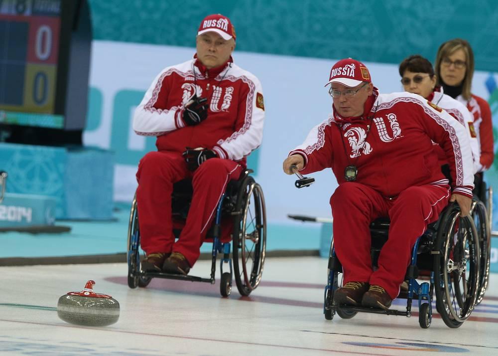 Российские спортсмены Александр Шевченко и Андрей Смирнов (слева направо)