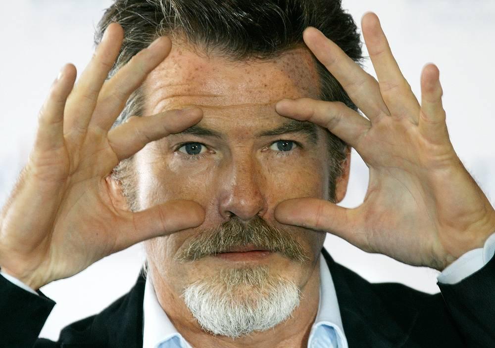 Пирс Броснан удивил бородкой на кинофестивале в Нормандии в 2005 году