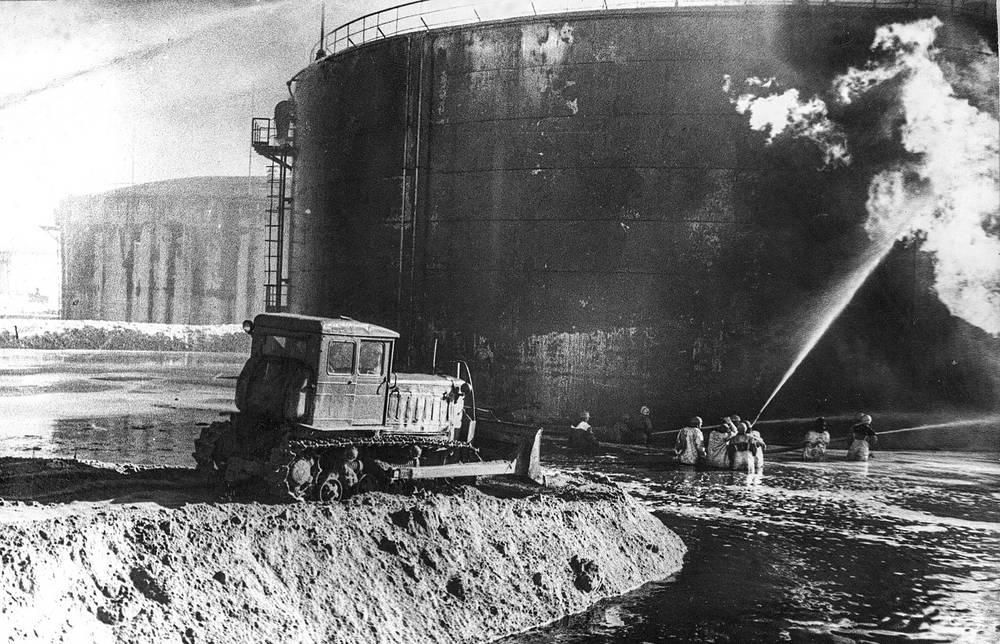 Из 10 тысяч тонн бензина, находившегося в резервуаре до пожара, было уничтожено только 287 куб. метров