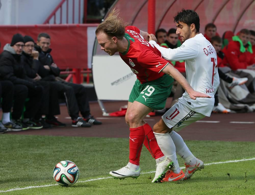 """Виталий Денисов (""""Локомотив"""") и Араз Озбилиз (""""Спартак"""")"""