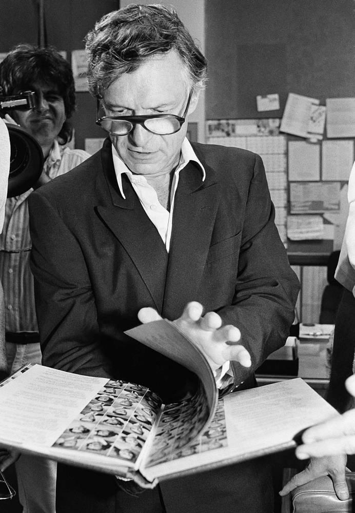 Корпорация, которой единолично управлял Хефнер, включала также книжное издательство, модельное агентство, звукозаписывающую студию, телекомпанию и службу лимузинов