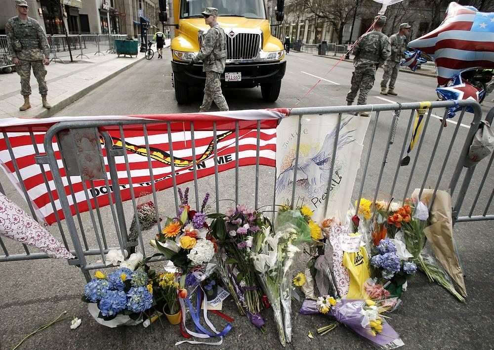 """Взрывы в Бостоне шокировали весь мир. Генеральный секретарь ООН Пан Ги Мун назвал их """"бессмысленным насилием"""""""