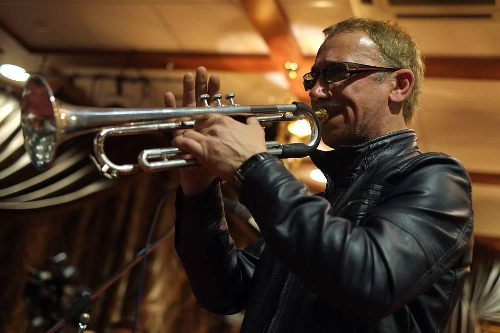 Заслуженный артист России, член Американской Гильдии трубачей Сергей Пронь