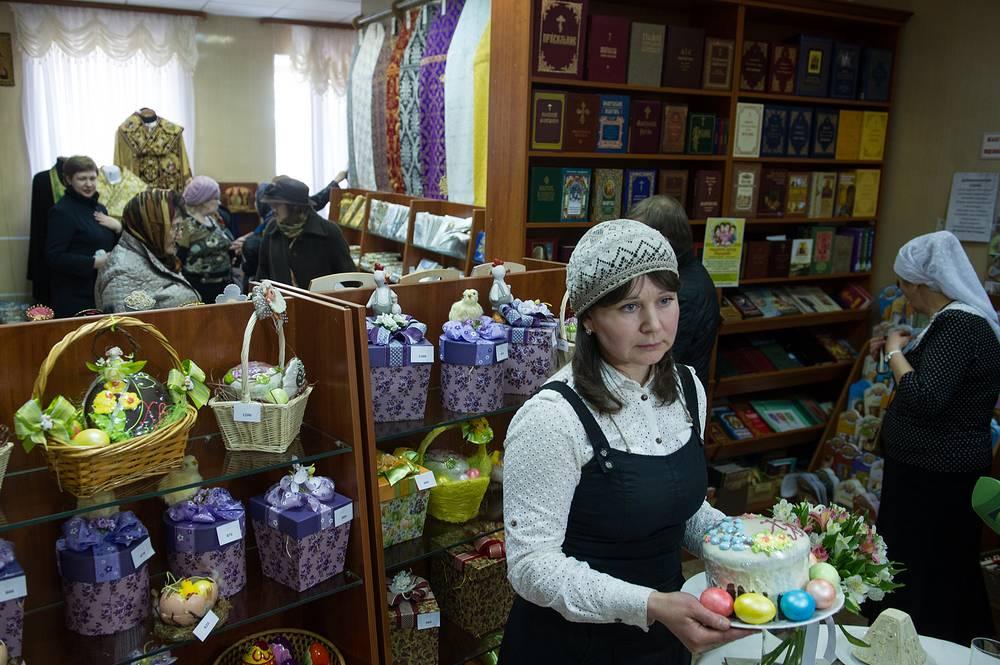 Подготовка к Пасхе в Ново-Тихвинском женском монастыре