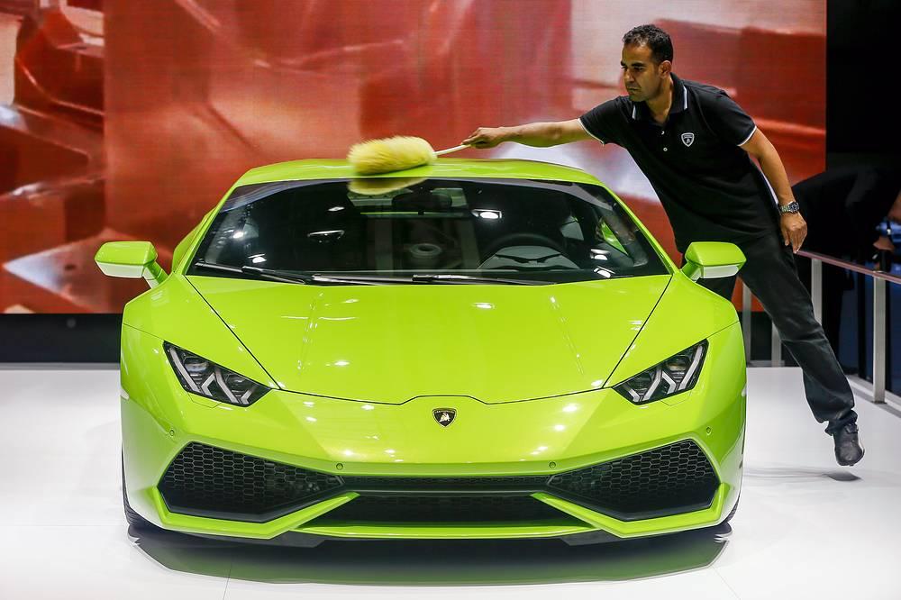 Итальянская Lamborghini презентовала полноприводный спорткар Huracan