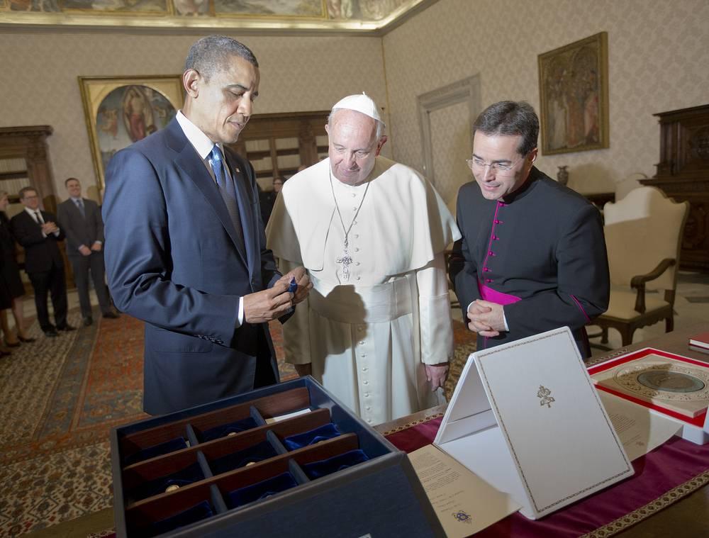 В марте 2014 года президент США Барак Обама во время встречи с папой римским Франциском вручил ему набор семян растений из сада Белого дома