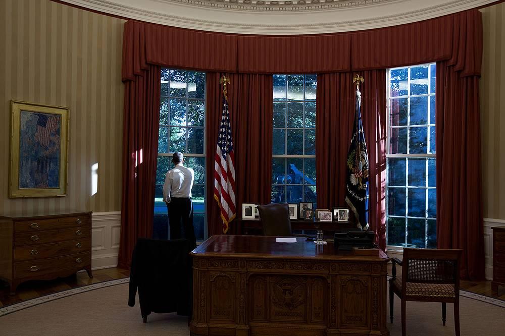 Президент Барак Обама в Овальном кабинете Белого дома в Вашингтоне