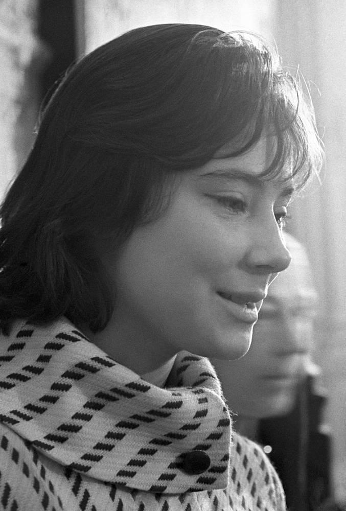 """Среди других ролей актрисы - """"Неотправленное письмо"""", """"Леон Гаррос ищет друга"""", """"Я - Куба"""", """"Они шли на Восток"""", а также театральные работы"""